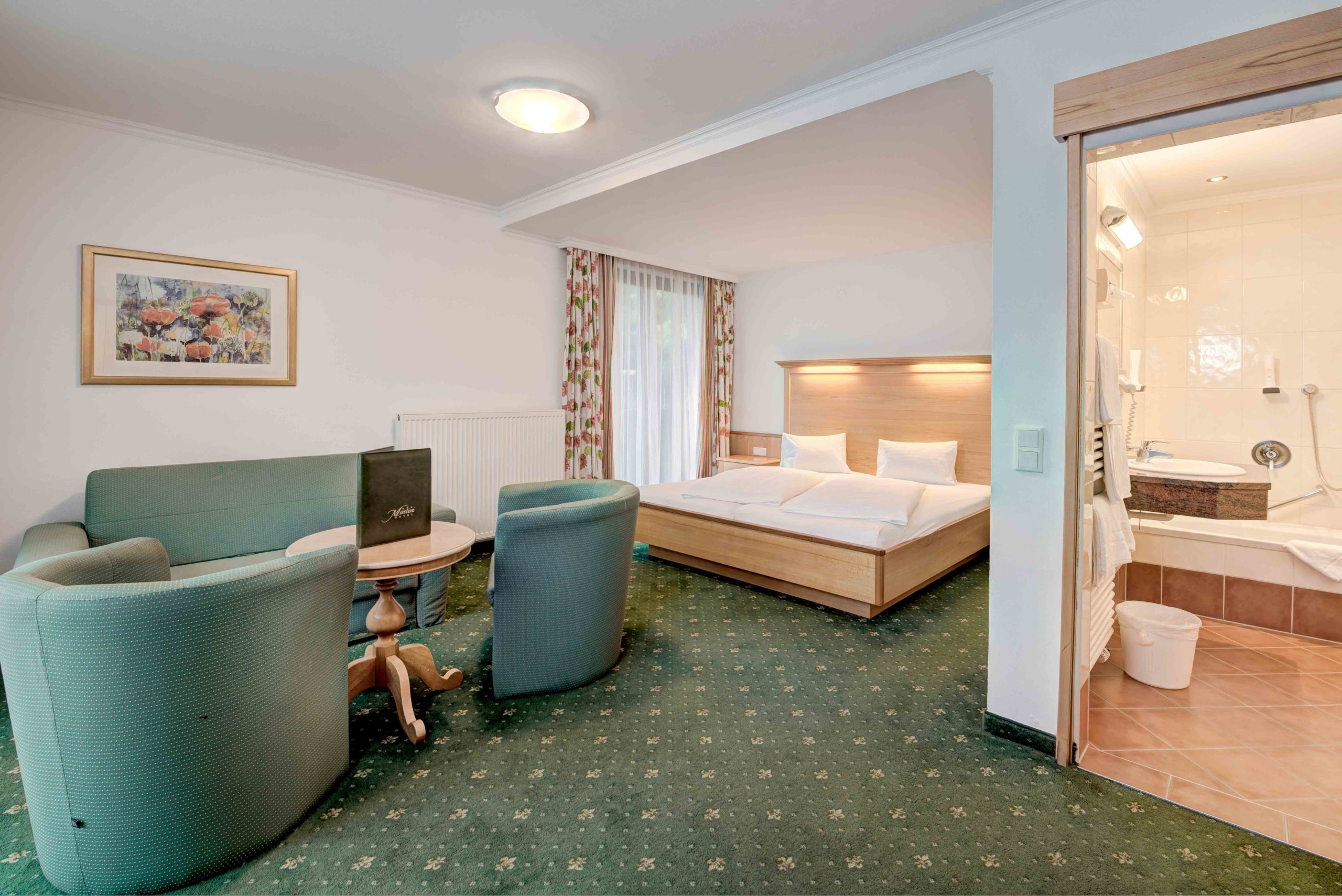 Hotel Martini Doppelzimmer mit Sitzecke