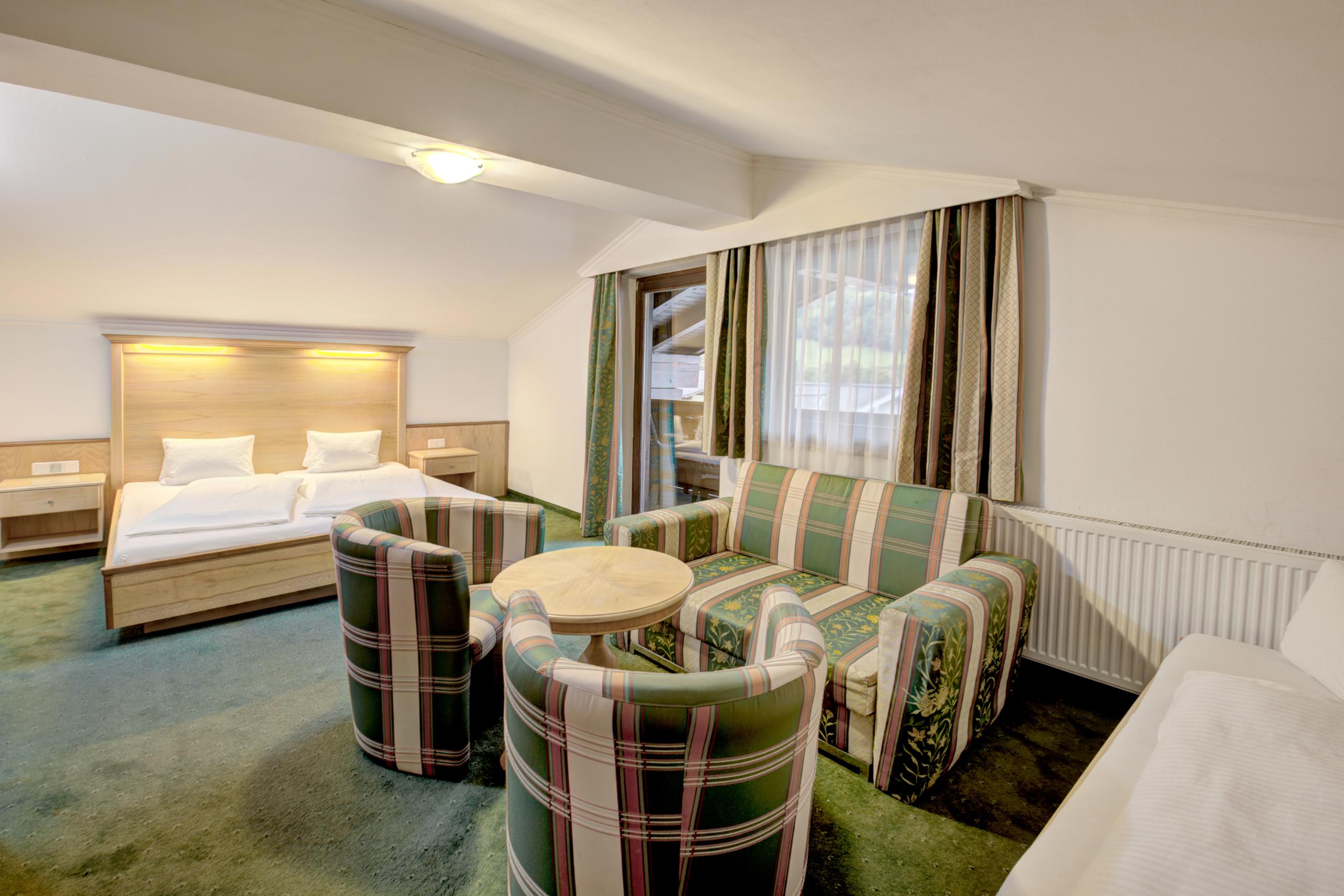 Hotel Martini Familienzimmer mit Sitzecke